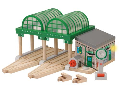 Deluxe Knapford Station ( LC99393 ) - Thomas & Friends Wooden Railway